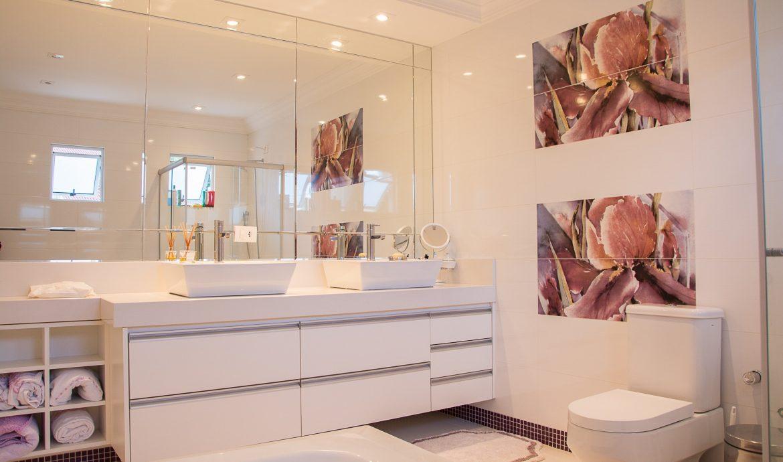 Ett stilrent badrum